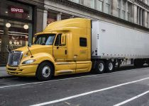 Packing-Checklist-for-Truck-Drivers-on-The-Road